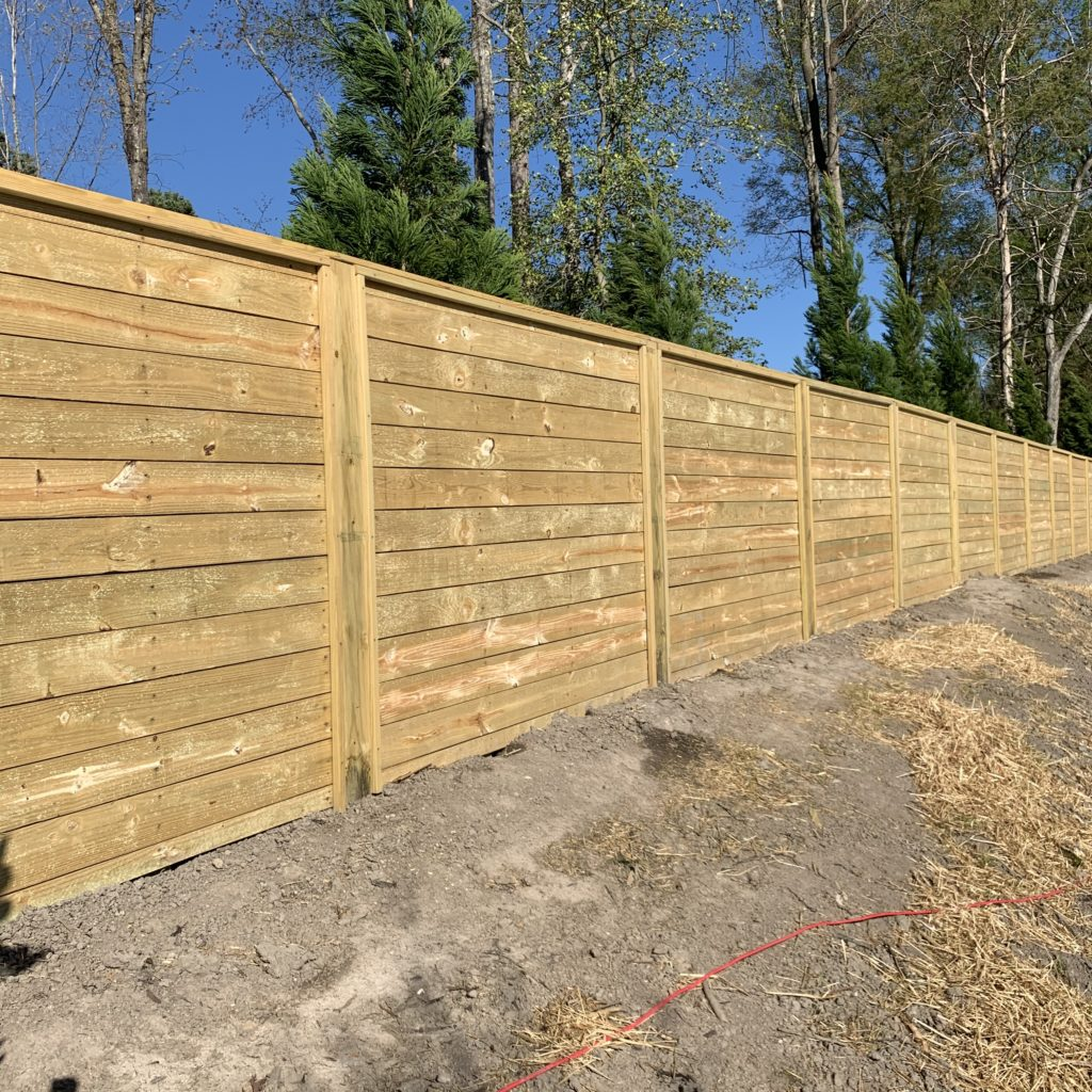 6-foot-horizontal-wood-privacy-fence-6×6-posts-top-cap