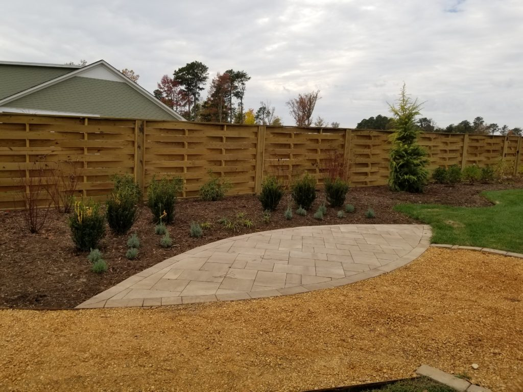 basket weave horizontal board privacy fence in wood